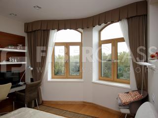 Стеклокомпозитные окна со шпоном