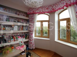 Стеклокомпозитные окна в детской