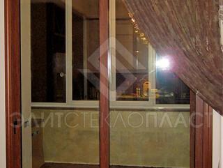 Алюминиевые раздвижные двери, выход на лоджию